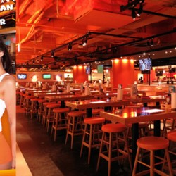 Watch the BIG games at HOOTERS!