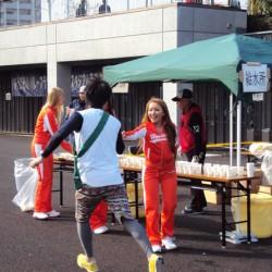 第2回おんきょうリレーマラソン in 味の素スタジアム(西競技場) にサポーターとしてHOOTERS GIRLが参加!!
