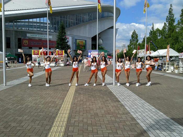 <イベントレポート>フーターズガールが「INAC神戸 レオネッサ」の試合に参戦